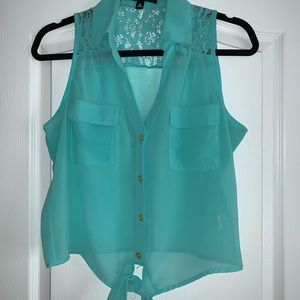 Turquoise tank top !